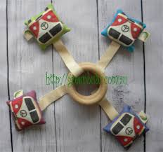 green bubz teething ring kombis